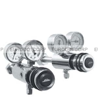 Shut-off ball valve for low temperatures